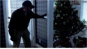 131225135901-christmas-burglary-620xa