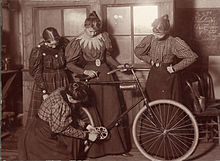 Women_Repairing_Bicycle,_c__1895